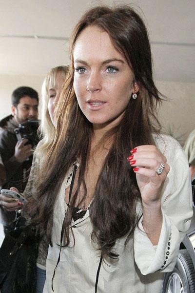 Lindsay Lohan initials SR ring